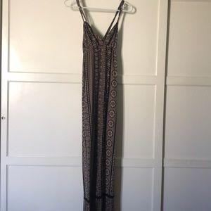 Full Tilt brown and black maxi dress 🖤